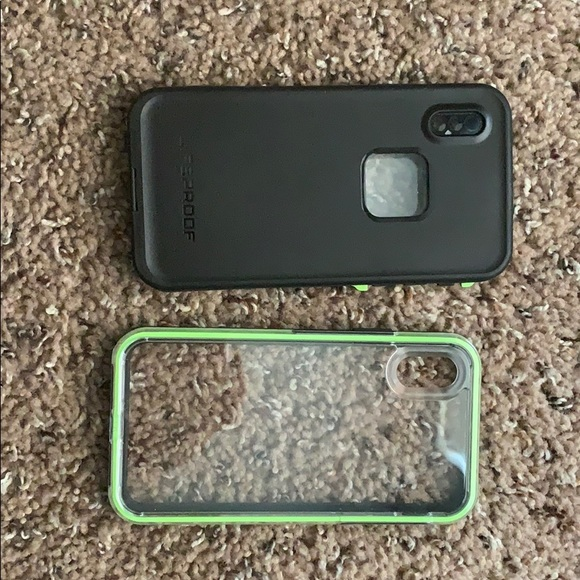 huge discount c3343 cfb34 2 Different cases both Life Proof